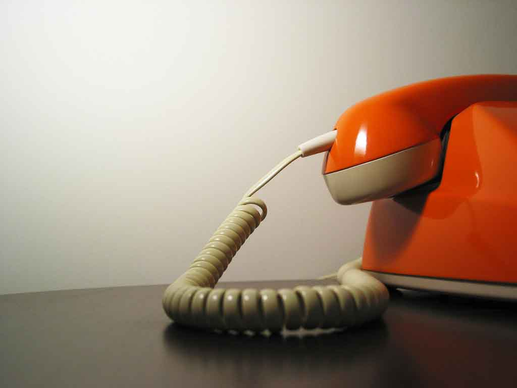 Teléfono naranja