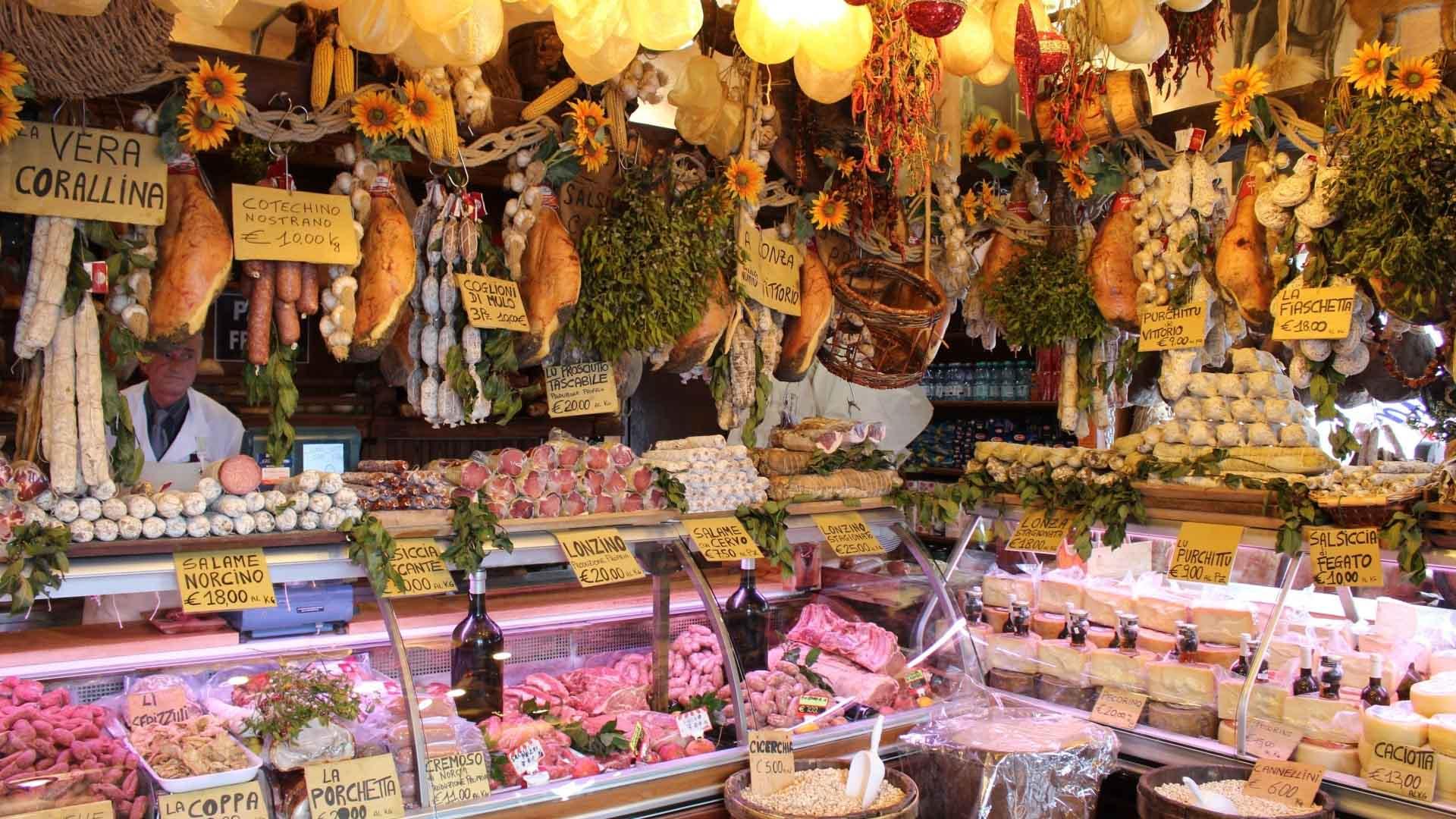 Imagen de puesto de carnicería en plaza de abastos