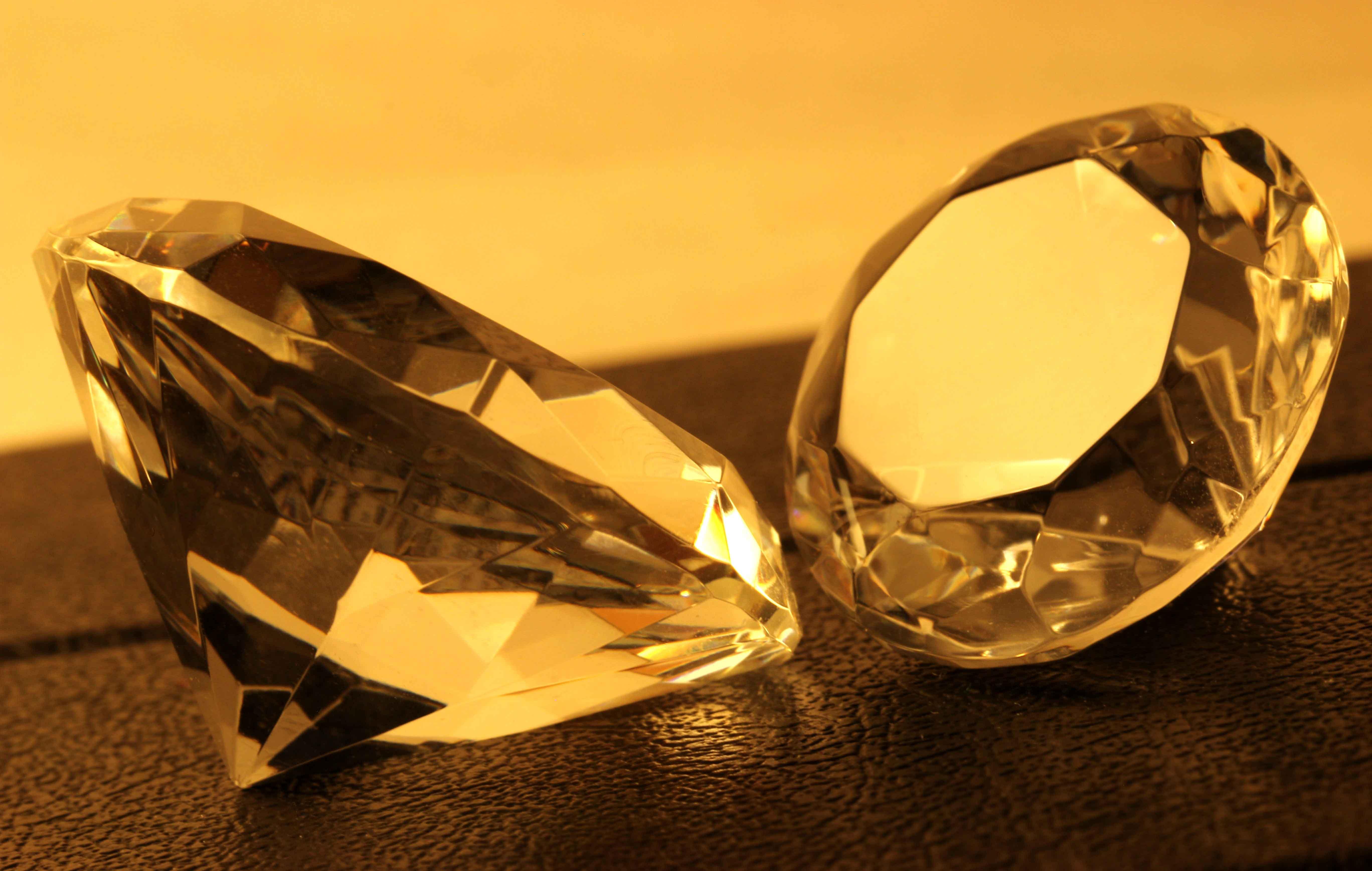 Dos diamantes