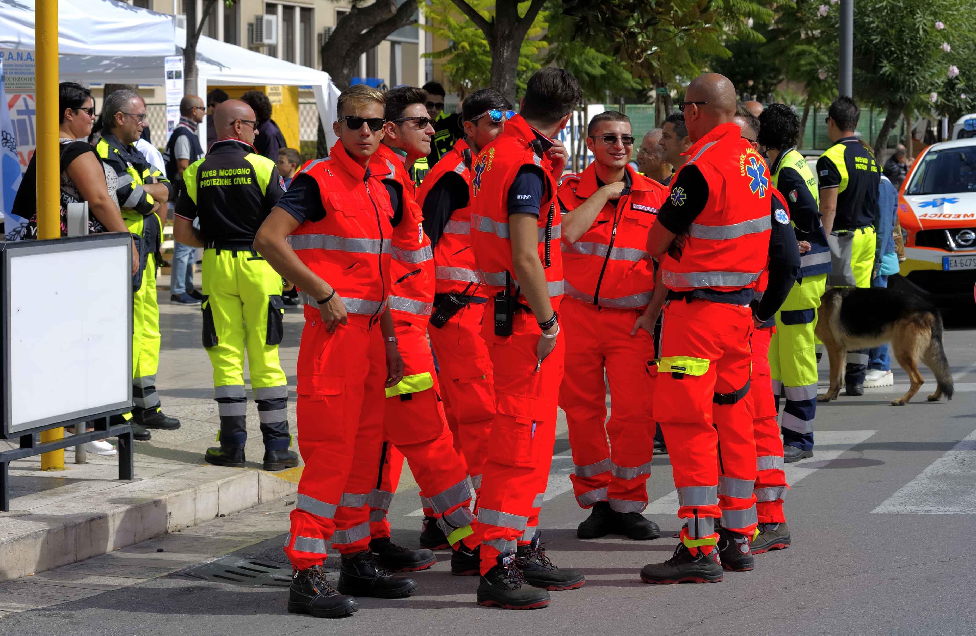 Trabajadores de protección civil